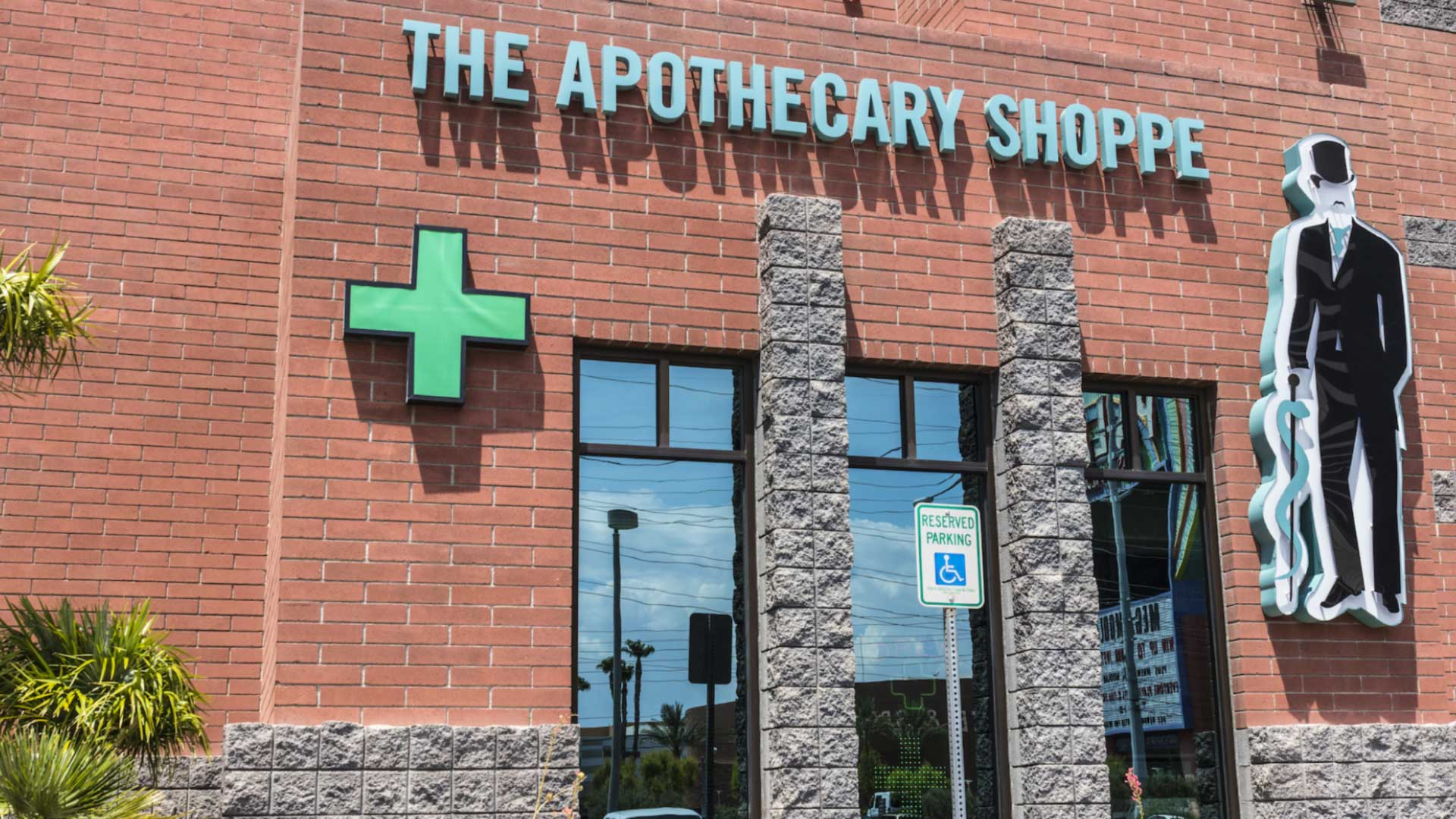 Here's the difference between dispensaries and collectives