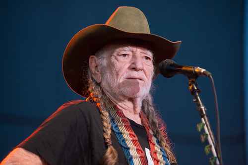 Chelsea smoked weed with Willie Nelson on her Netflix show
