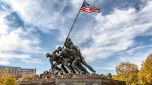 Veterans raising the flag, Missouri