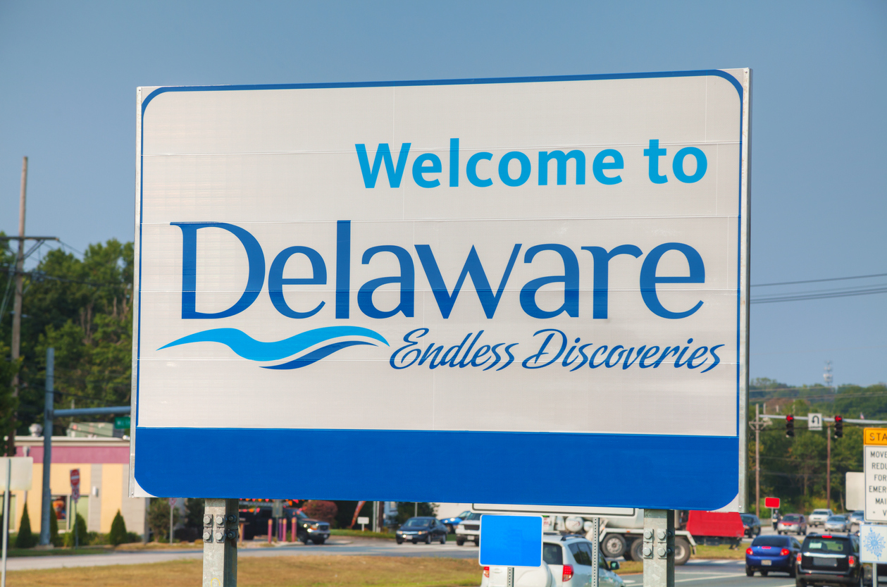 Welcome to Delaware road sign at the state border