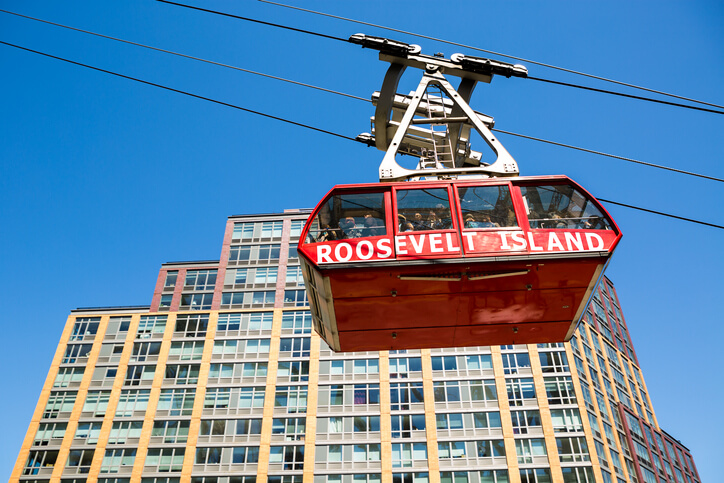 Manhattan, New York, april 10, 2016. Roosevelt Island cable car leading people to the island in the East River.