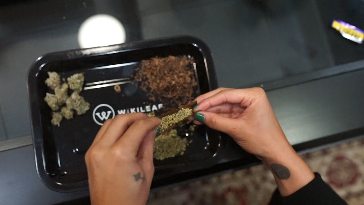rolling a joint on a wikileaf rolling tray