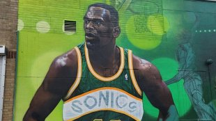 A mural of Shawn Kemp on the dispensary